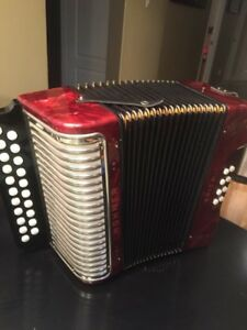hohner accordian for sale or trade for 3 row