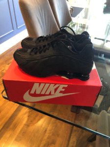 on sale 5bc17 bc66d MENS NIKE SHOX R4 - SIZE 9.5