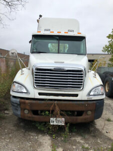 Two 2005 FREIGHTLINER Columbia DAY CAB ONE 2010 INTERNATIONAL