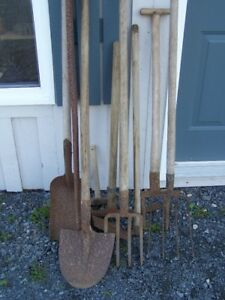 TOOLS FOR SALE JUST IN AXES 2 HATCHETS