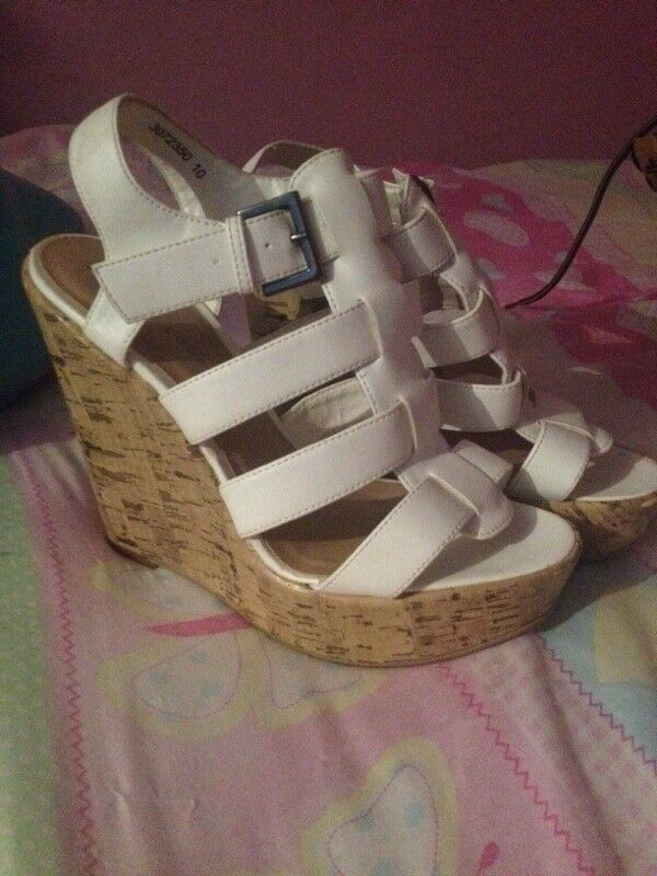 Womens wedges size 4
