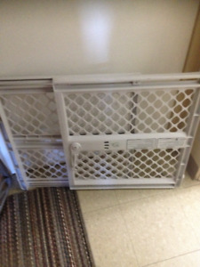 Baby gate-gently used