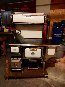 Heartland Oval Cook Stove
