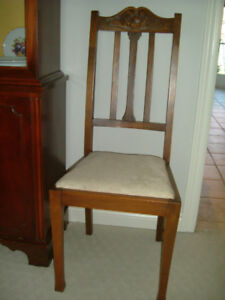 Set of 4 Lovely Walnut Dining Chairs