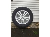 Land Rover Freelander wheel with tyre