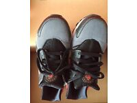 Used Nike hurarches size 4