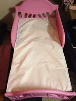 toddler bed.. slightly used