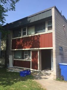 Gorgeous 100% reno'd 4-level,4-brm w/laundry on Rotary Tr, May 1