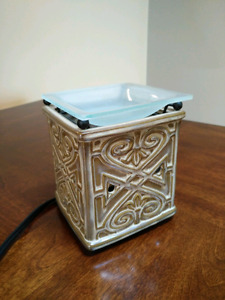 Scentsy warmer -barely used