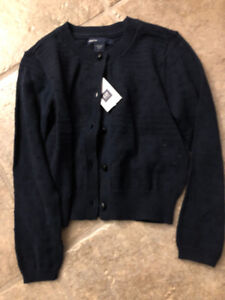 New with tags Gap girls size 4 sweater