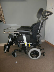 IBIS X-Series Tilt-in-Space Manual Wheelchair Campbell River Comox Valley Area image 1