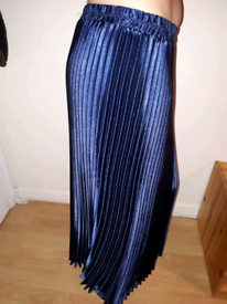 SKIRT PLEATTED NEW SIZE 6/8