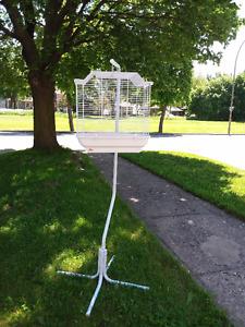 Cage à oiseau avec support