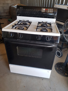 Maytag Gas Range in good working condition
