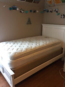 TWIN BED FOR SALE: white bed frame + mattress + boxspring