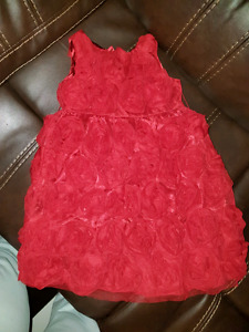 Selling Great Condition gorgeous toddler girl dresses SZ 4 to 5!