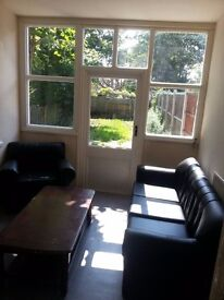 Nice Double Room ,available in Leyton!