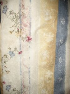 PAIR OF PINCH PLEAT CURTAINS/DRAPES