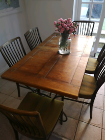 Extendable dining table and 6 retro chairs