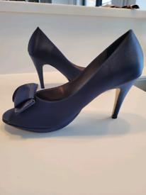 Peep toe pumps, blue satin, size 5
