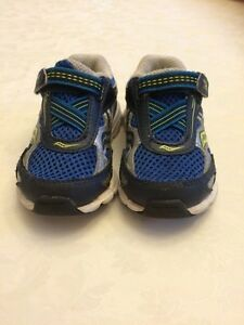 Toddler boys Saucony runners size 5 used Cambridge Kitchener Area image 1