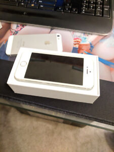 16 GB Unlocked iPhone 5S - Mint - Only $180