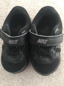 Nike Air Shoes Size 5C