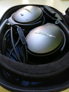 Bose QC 25 with Acoustic Noise Cancellation
