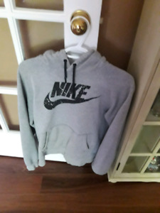 men's size small nike hoodie