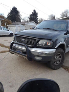 2000 ford f150 5.4L 4x4 Trade for suv/small truck, i'm disabled
