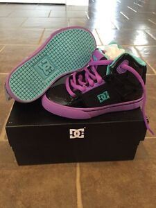 Girls DC sneakers size 10.5 **NEW IN BOX**