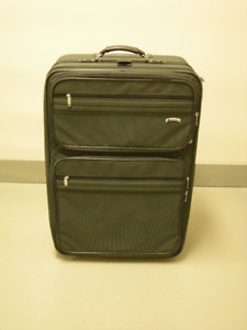DELSEY 30in Suitcase