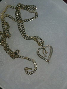 18 inch...14k....beautiful gold diamond necklace....500 firm