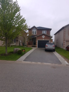 3 Bedroom house for rent in Barrie
