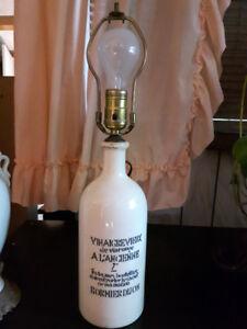 LAMPE   BOUTEILLE VINAIGRE DE VIN ROUGE