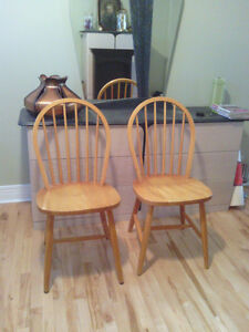 solid wood kitchen chairs West Island Greater Montréal image 1