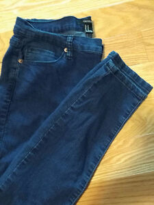 Forever 21 Skinny Jeans. approx size 12-13