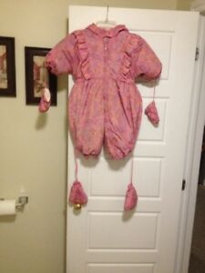 LIKE NEW BABY SNOWSUIT(18 MTHS)
