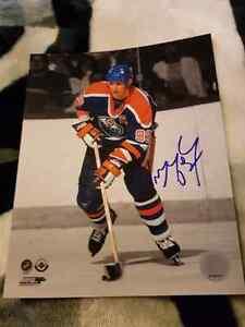 Wayne Gretzky 8x10 for sale!