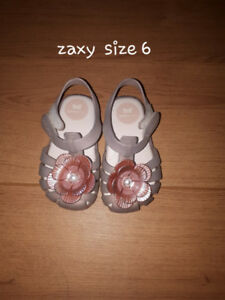 Baby shoes- 3 pairs of shoes and 1 pair of rain boots for 30$