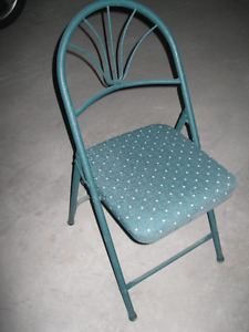 4 HEAVY METAL FOLDING CHAIRS - VERY GOOD CONDITION