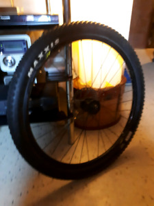LIKE NEW 27.5 DISK FRONT RIM WITH NEW MAXIUS TIRE