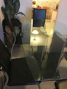 Used dinning Glass table and 6  black chairs Kitchener / Waterloo Kitchener Area image 3