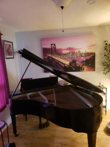 ***PENDING PICK UP***Henry Miller baby grand piano