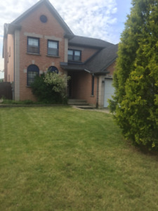 Clean Room in Executive Home near Pearson/Gym/Transit/GO/Svc.ON.