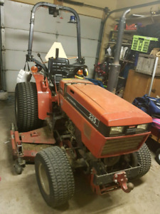 4x4 Case IH 235 Tractor with Snowblower