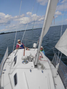 22ft sail boat with trailer and 9.9hp outboard motor