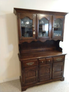 2 Piece Hutch. Solid wood! Beautiful, like new!