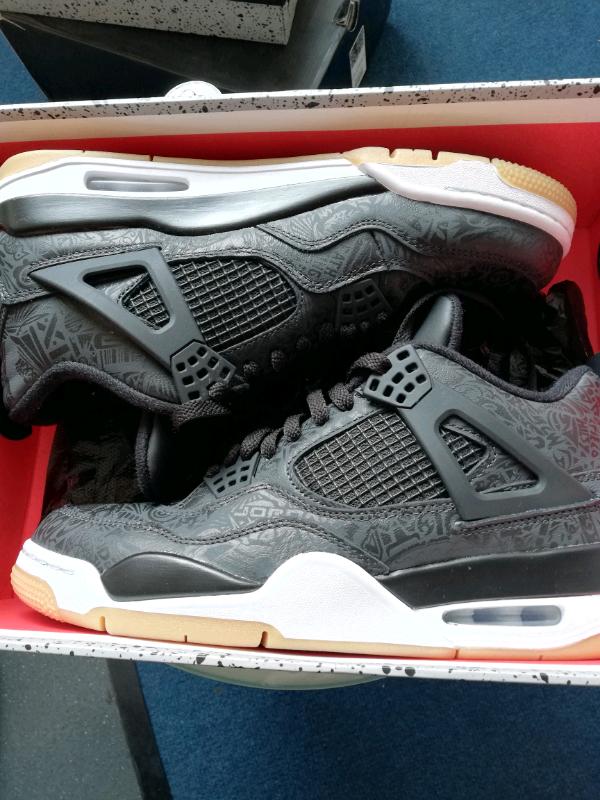 1f6f3addc043 Air Jordan 4 Retro SE black laser nike adidas