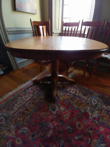 Elmira Solid Oak Dining Table and Chairs (4)